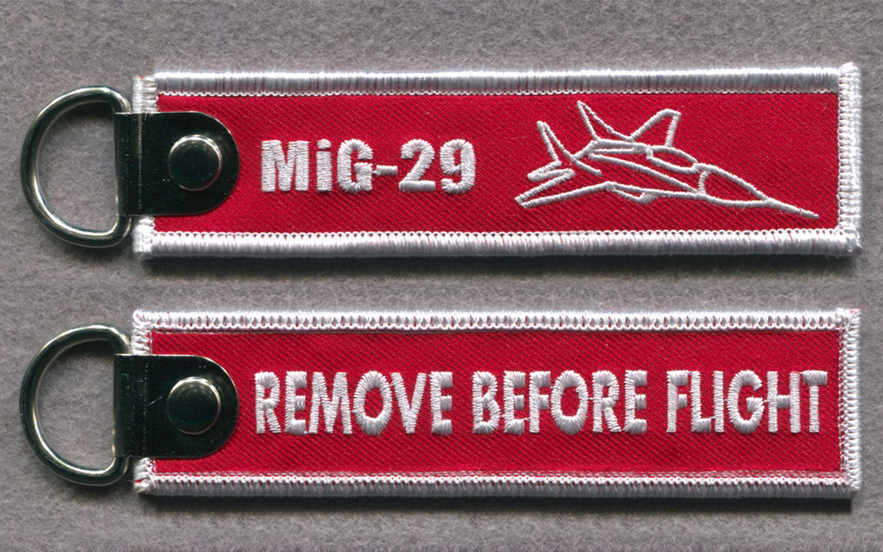 MiG 29 theme keychain style Remove before Flight